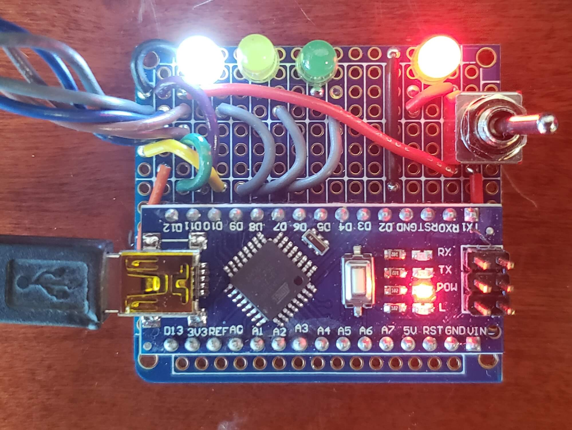 Figure 17: Arduino Nano as ISP with feeback LEDs
