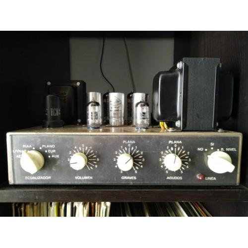 "Customer image:<br/>""There are 3 of this knobs with an old monophonic Ocnoson tube amplifier. """