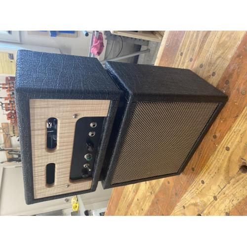 "Customer image:<br/>""5 watt amp head and cab for 8"" spot. Black elephant Tolex  &amp;amp; Tolex glue. Great products"""